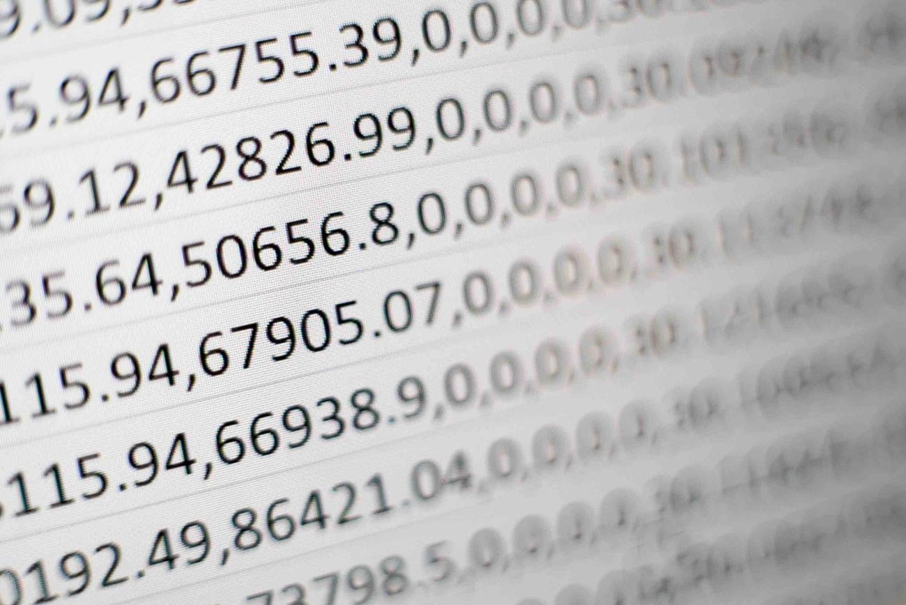 Manfaat menggunakan perangkat lunak khusus manajemen payroll dibandingkan spreadsheet Excel